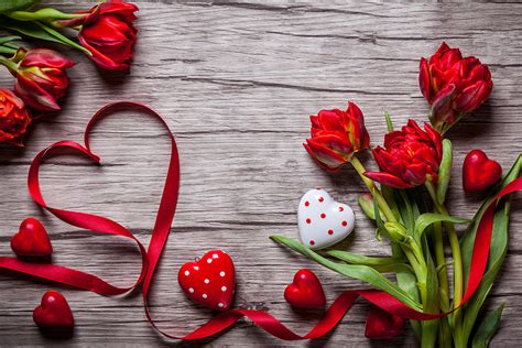 * Valentine Flowers & More!